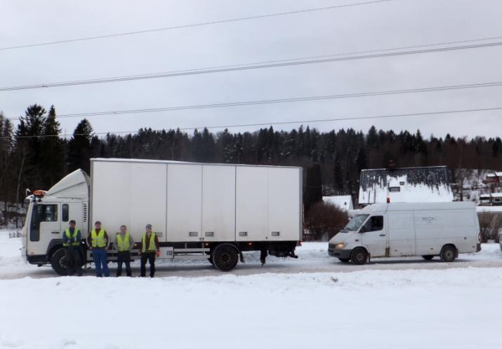 Renova - Flytting, med 48 m3 flyttebil og 15 m3 varebil
