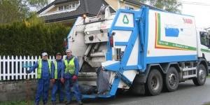 Renova. Komprimatorbil eller ryddebil kaller vi dette. Vi henter alle typer avfall og kunden betale bare pr. kilo